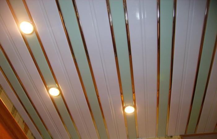 Потолки из пластиковой вагонки своими руками 42